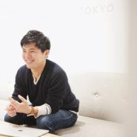 仕事道具はプロの生命線。写真家・矢野拓実さんの、機材に投資しながら節約する方法とは?