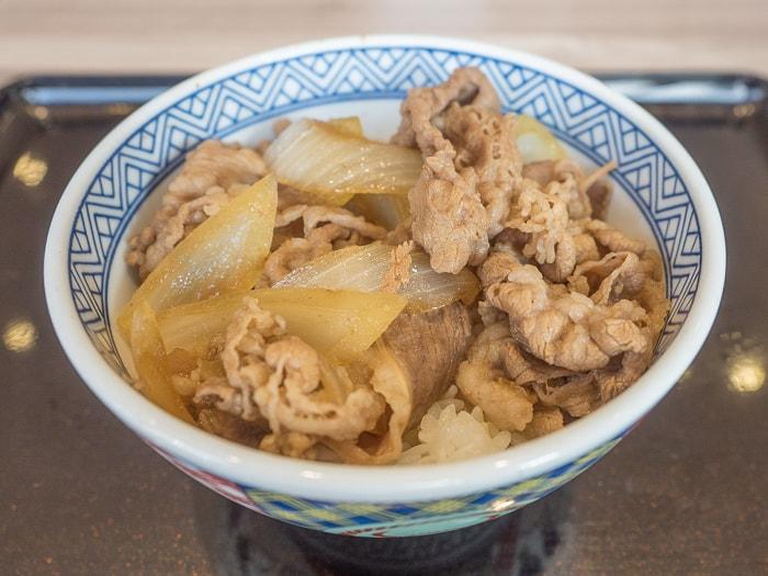 吉野家の牛丼(並) つゆ普通